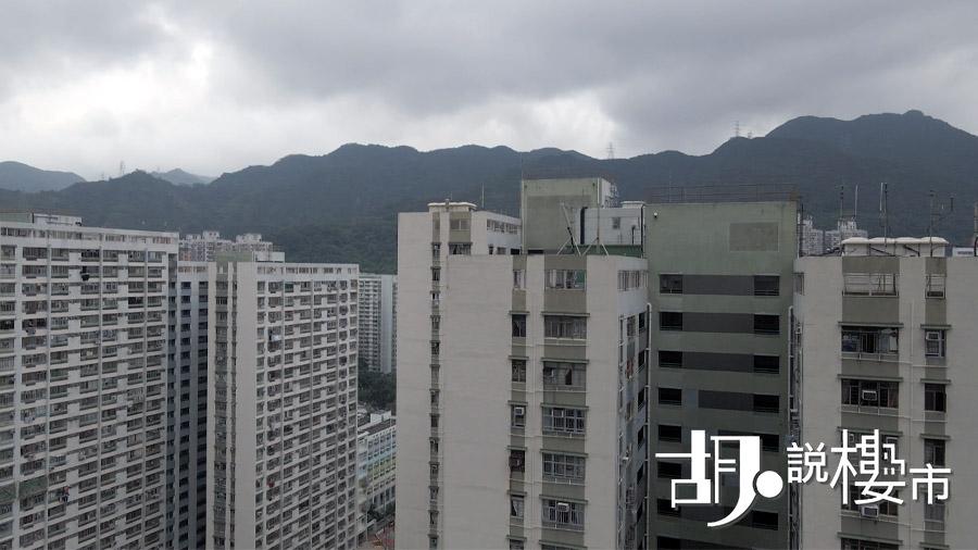 約20樓向南單位,會對正新翠邨的無線電發射站