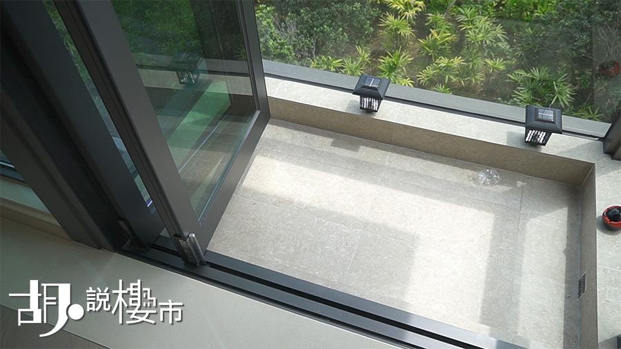 露台門採趟摺門設計